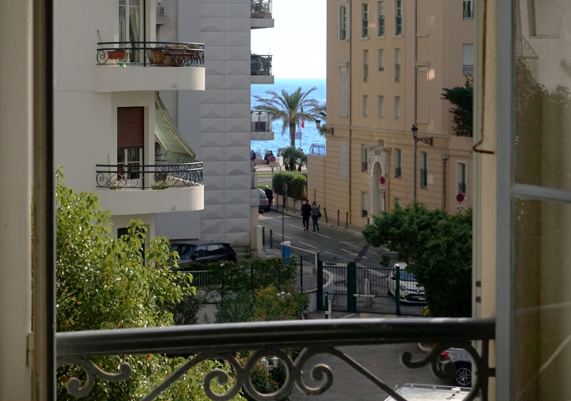 rent an appartment in Nice city with beautiful view on the sea